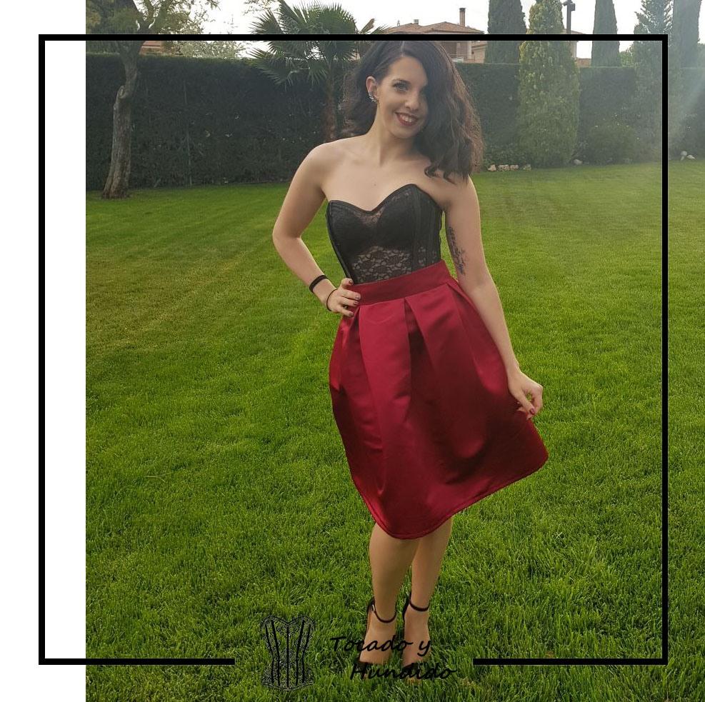Conjunto-corste-transparente-y-falda-clienta
