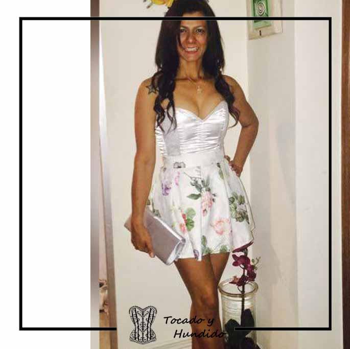 foto-clienta-con-corset-y-falda-corsets-tocado-y-hundido-madrid