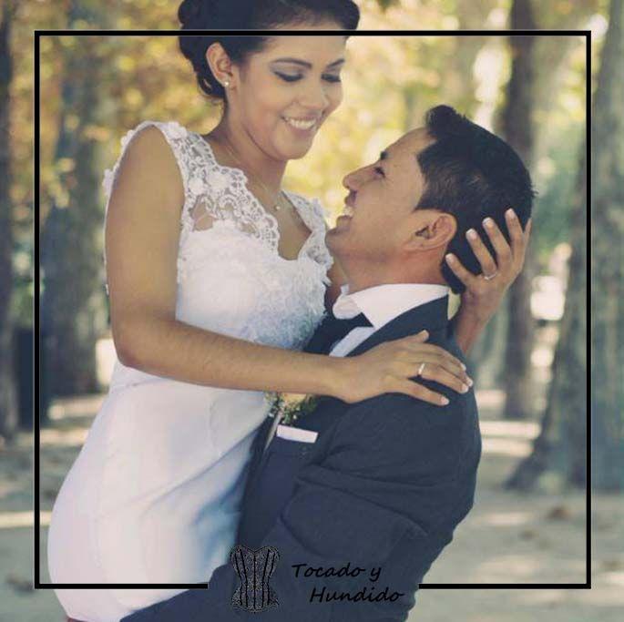 foto-clienta-con-vestido-de-novia-sirena-y-encaje
