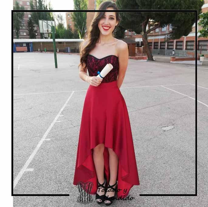 foto-clienta-corset-rojo-encaje-y-falda-corsets-madrid