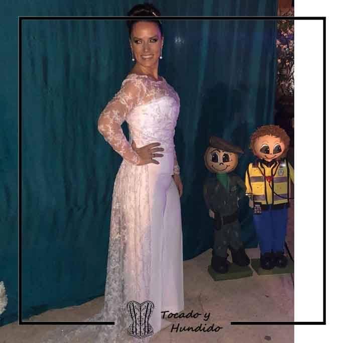 foto-clienta-vestido-novia-corset-y-encaje-blanco-corsets-madrid