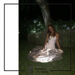 foto clienta con corset de novia y falda blanca