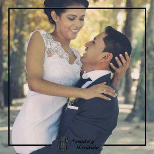 foto clienta con vestido de novia sirena y encaje