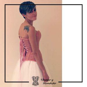 foto clienta novia corset rosa y falda de tul corsets madrid