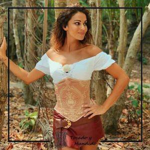 Lara Alvarez vestuario supervivientes corsets madrid
