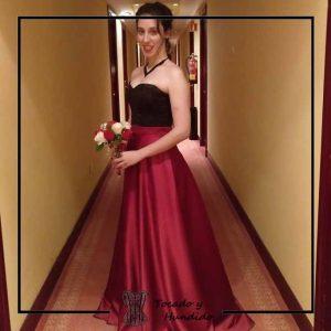 foto clienta corset negro falda roja dama de honor corsets madrid
