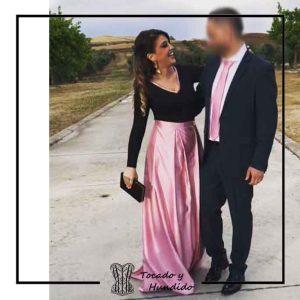 foto clienta invitada a boda body negro falda rosa corsets madrid